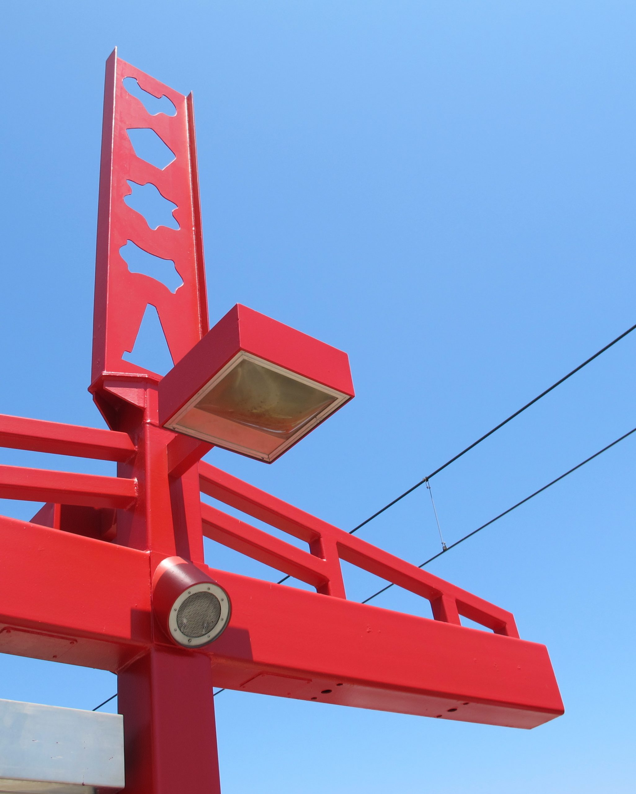 """Roberto Salas, """"Blue Line Totems in Red"""""""